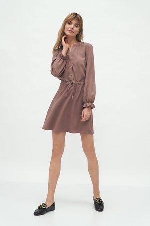 Nife Kobieta Sukienki koktajlowe i wieczorowe - Krótka sukienka z długim rękawem - mocca