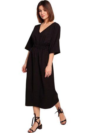 MOE Rozkloszowana midi sukienka z rękawem 3/4 - czarna