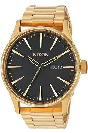 Nixon Sentry SS stal nierdzewna dzień/data 42 mm WR 100 metrów męski zegarek A356 Bransoletka Jeden rozmiar /