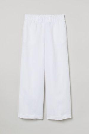 H&M Krótkie spodnie z lnem