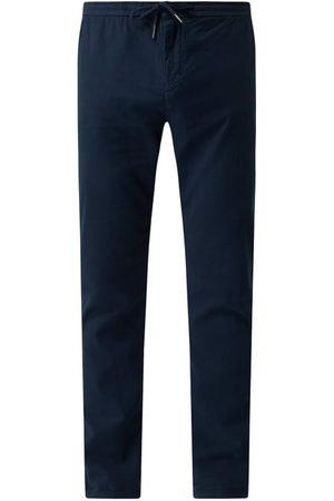 Guess Mężczyzna Dresy - Spodnie sportowe z dodatkiem streczu