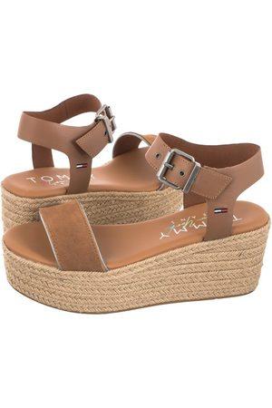 Tommy Hilfiger Kobieta Sandały - Sandały Essential Flatform Sandal EN0EN01320-GU9 Summer Cognac (TH224-a)