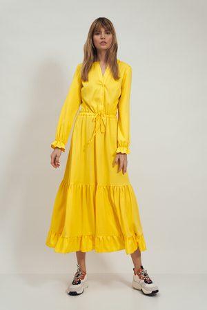 Nife Kobieta Sukienki koktajlowe i wieczorowe - Rozpinana sukienka z falbankami - żółta