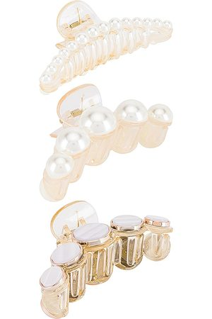 8 Other Reasons Hair Clip Set in - Ivory. Size all.