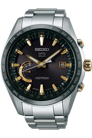 Seiko Męski analogowy zegarek solarny z tytanową bransoletką SSE087J1