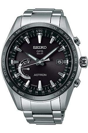Seiko Męski analogowy zegarek solarny z tytanową bransoletką SSE085J1