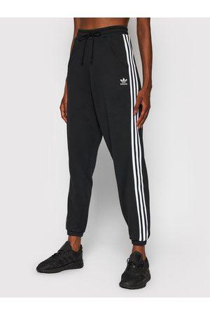 adidas Spodnie dresowe Jogger GD2260 Regular Fit