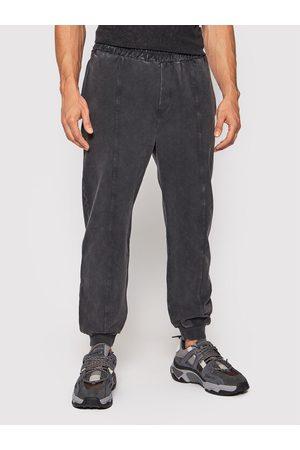 YOUNG POETS SOCIETY Spodnie dresowe Marinus 106244 Regular Fit