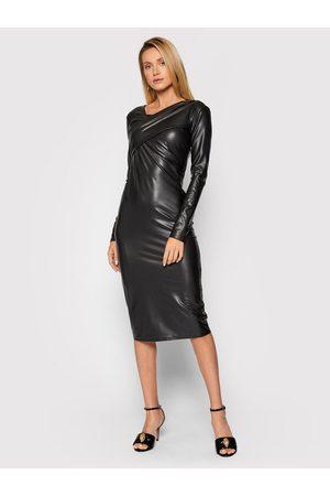 Patrizia Pepe Sukienka z imitacji skóry 2A2250/A1WB-K103 Slim Fit