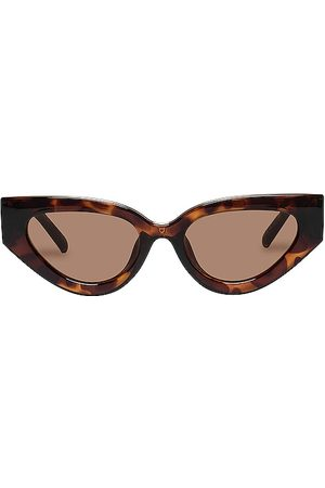 Le Specs Aphrodite Alt Fit in - Brown. Size all.
