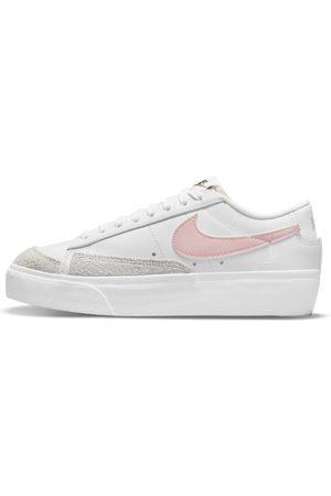 Nike Buty damskie Blazer Low Platform - Biel