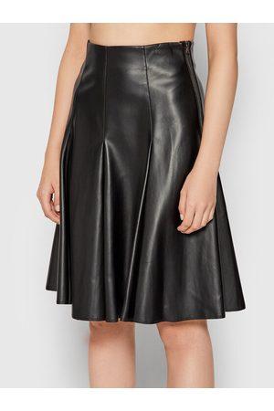 Benetton Kobieta Spódnice midi - Spódnica z imitacji skóry 4IVR507S4 Regular Fit