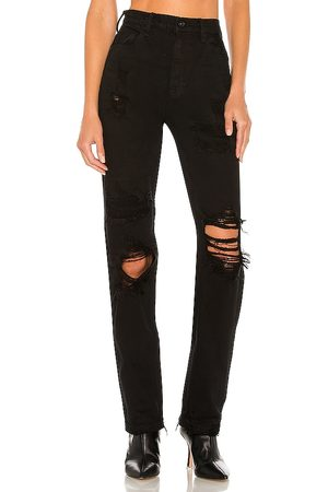 Free People CRVY Straight Shooter Jean in - Black. Size 24 (also in 28, 29, 30, 31, 25, 32, 26, 27).