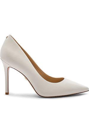 Sam Edelman Hazel Pump in - White. Size 10 (also in 6, 6.5, 7, 7.5, 8, 8.5, 9, 9.5).